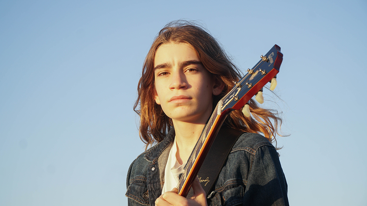 Guitarist Asher Belsky